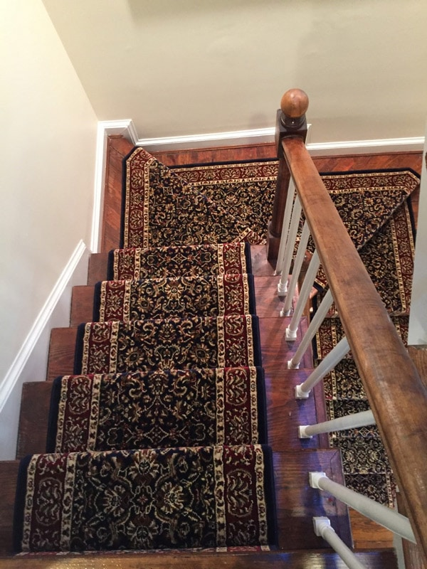 Decorative Filigree Pattern Stair Runner Carpet by Farsh Carpets